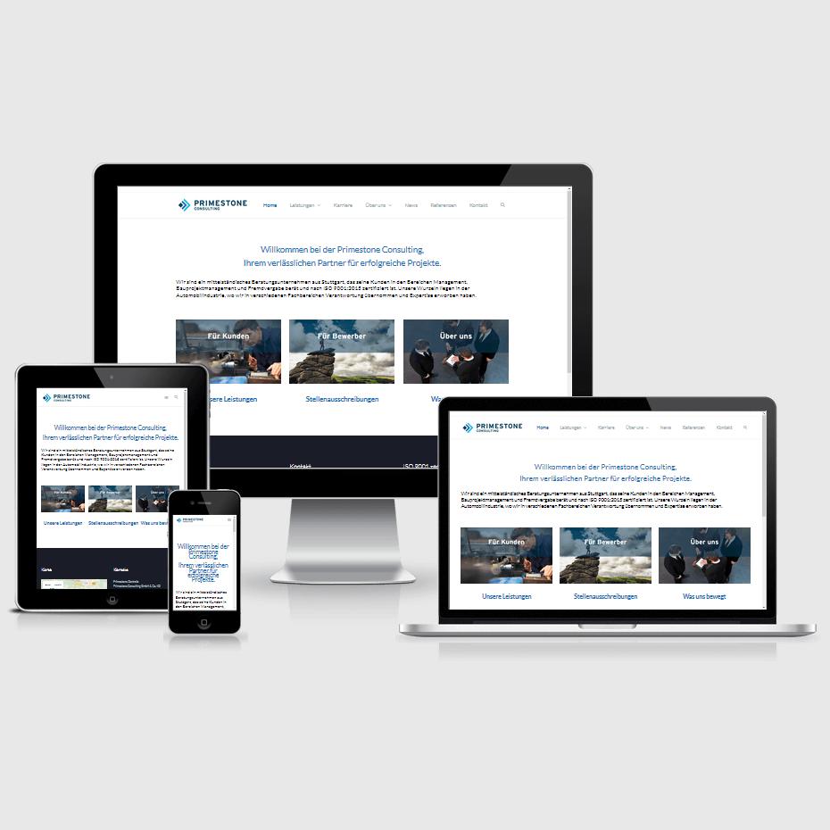 """Die Webseite der """"Primestone Consulting"""" dargestellt auf 4 verschiedenen Bildschirmgrößen (Handy, Tablet, Laptop und Desktopmonitor)"""