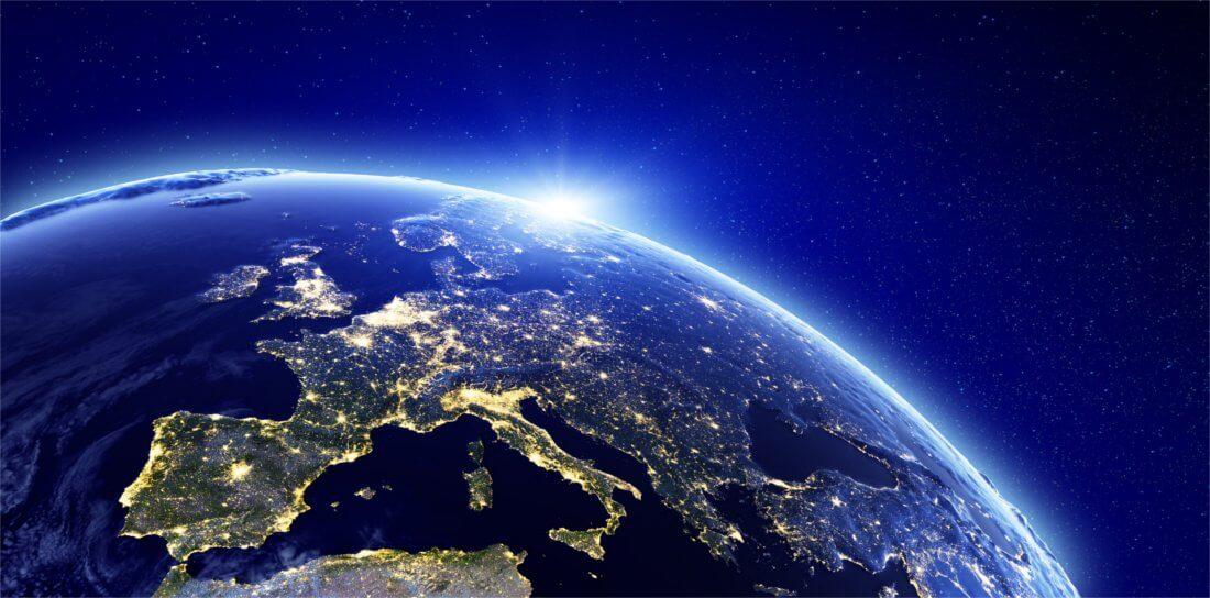 Ein Foto von Europa bei Nacht, aufgenommen aus dem Weltall